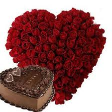 Heart of 30 red roses with heart Chocolate Cake 1 Kg
