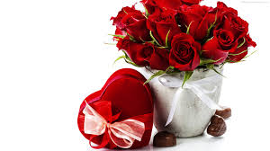12 red roses basket Valentine heart